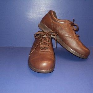 SAS Women's 9 WW Free Time Walking Shoes Brown